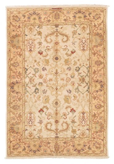 Sultanabad 4×6 in Ivory/Wheat